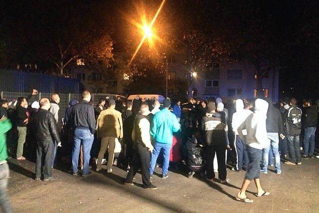 Aufruhr in Unterkunft: Mehrere hundert Flüchtlinge protestieren in Freiburg