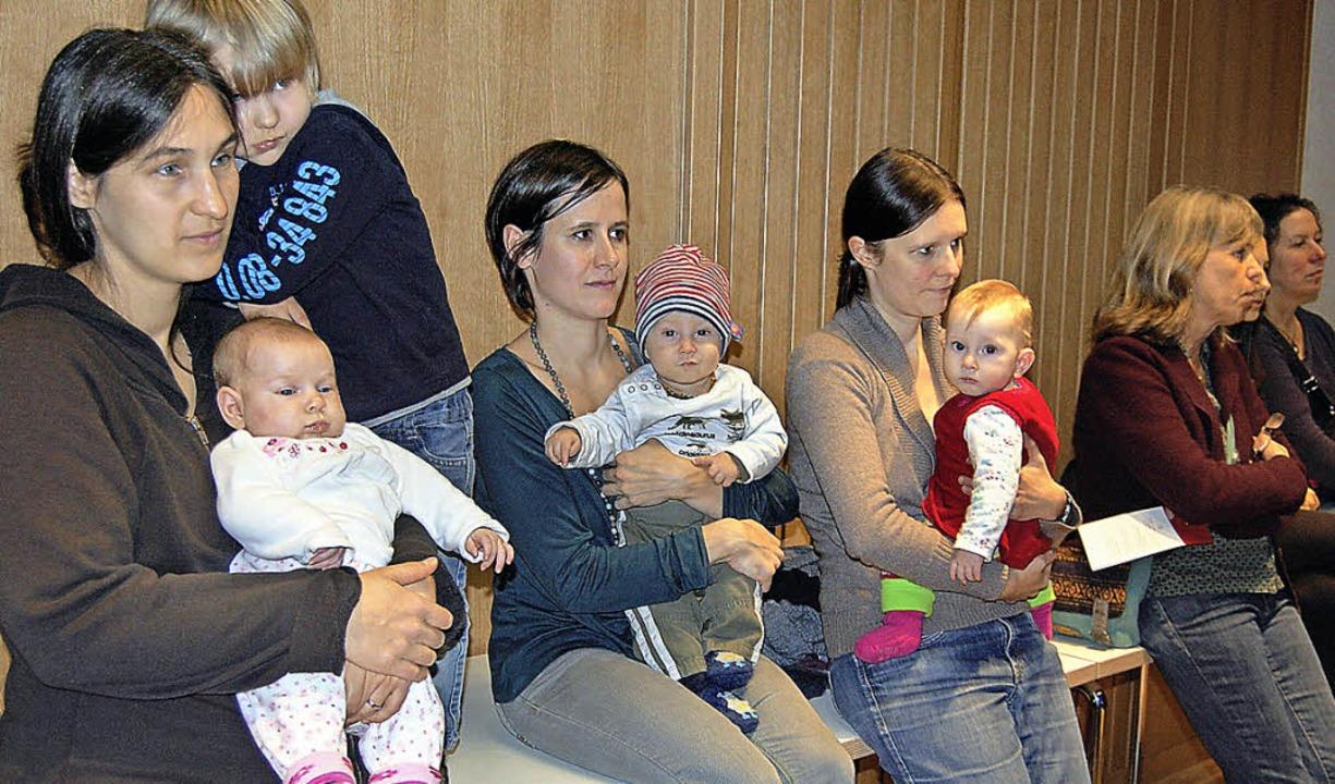 Auch kleine Gäste sind unter den vorwi... acht Monaten per Hausgeburt zur Welt.  | Foto: puppe