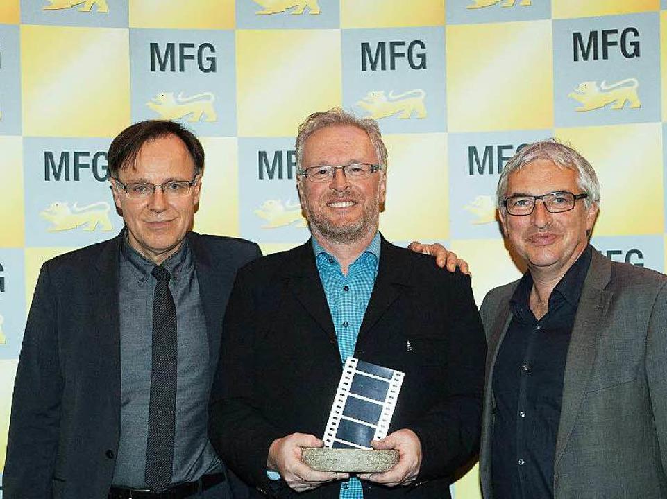 Leopold Winterhalder mit  (links) MFG-...s Kunststaatssekretär Jürgen Walter.    | Foto: MFG, Michelle Mantel