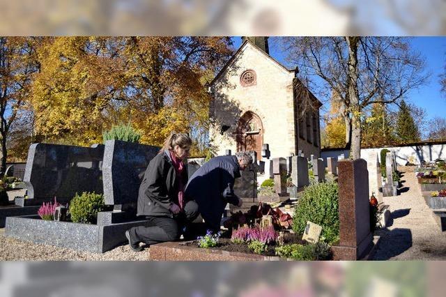 Besuch auf dem Friedhof