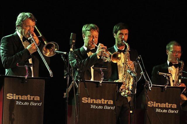 Die Sinatra Tribute Band hat in der Lahrer Stadthalle ein tolles Konzert abgeliefert