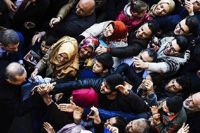 Klarer Sieg für Erdogan bei Parlamentswahl in Türkei