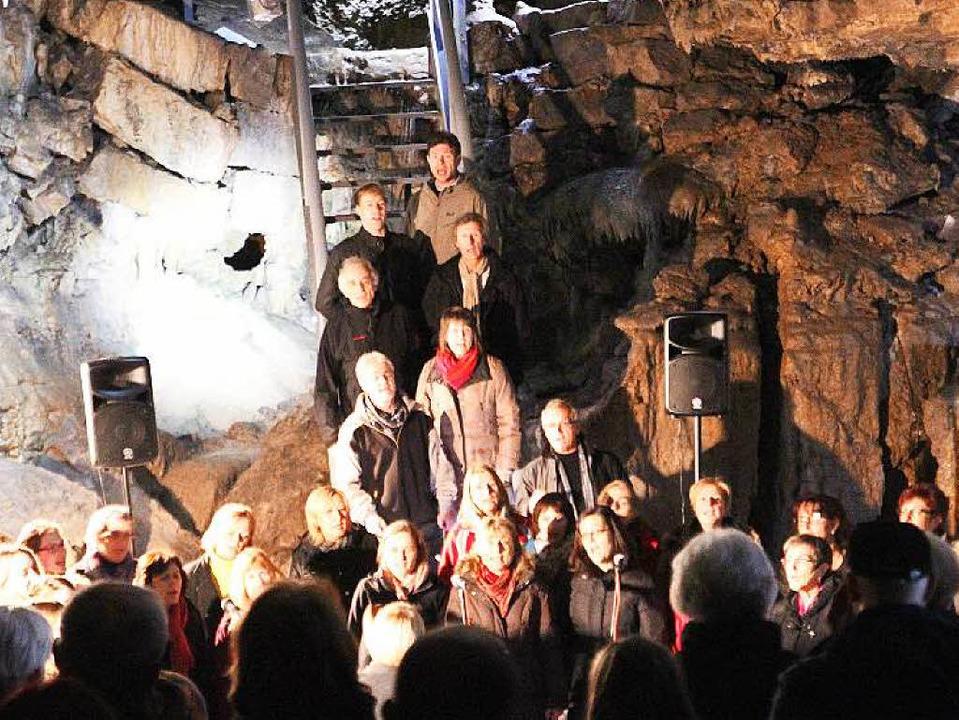 Besonderer Klangraum: Die Hasler Höhle mit dem Chor ProSäcko  | Foto: Anja Bertsch