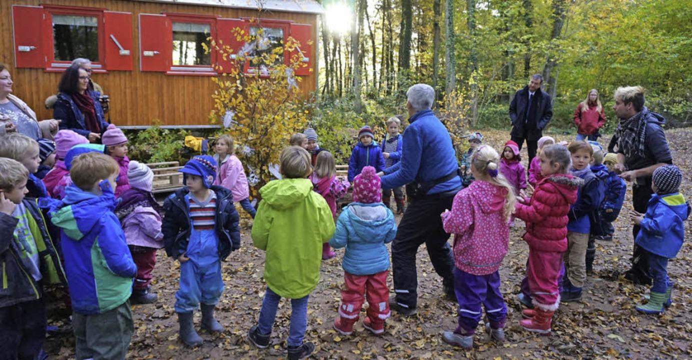 Öffentliches Gebäude mitten im Wald: d... einem Fest offiziell eingeweiht hat.   | Foto: Julius Steckmeister