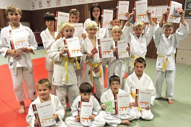 14 judoka
