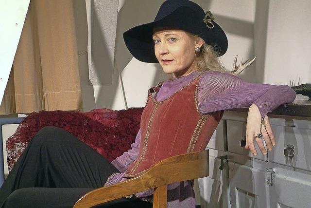 """Satu Blanc bringt ihr neuestes Stück """"Königin des Barocks"""" in Basel auf die Bühne"""