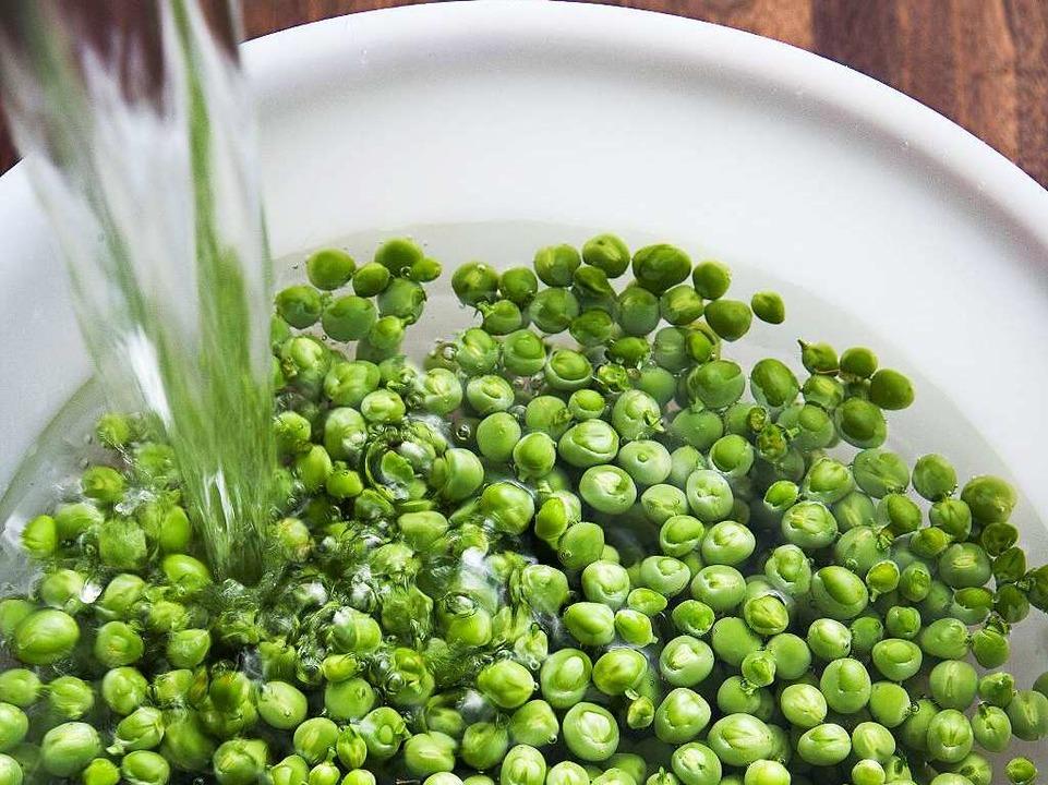 Getrocknete Mungbohnen haben viel Eiweiß und sind reich an Ballaststoffen.  | Foto: Michael Wissing BFF