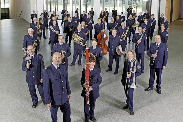 Bundespolizeiorchester mit konzertanter Blasmusik