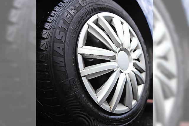 Unbekannter zersticht Reifen