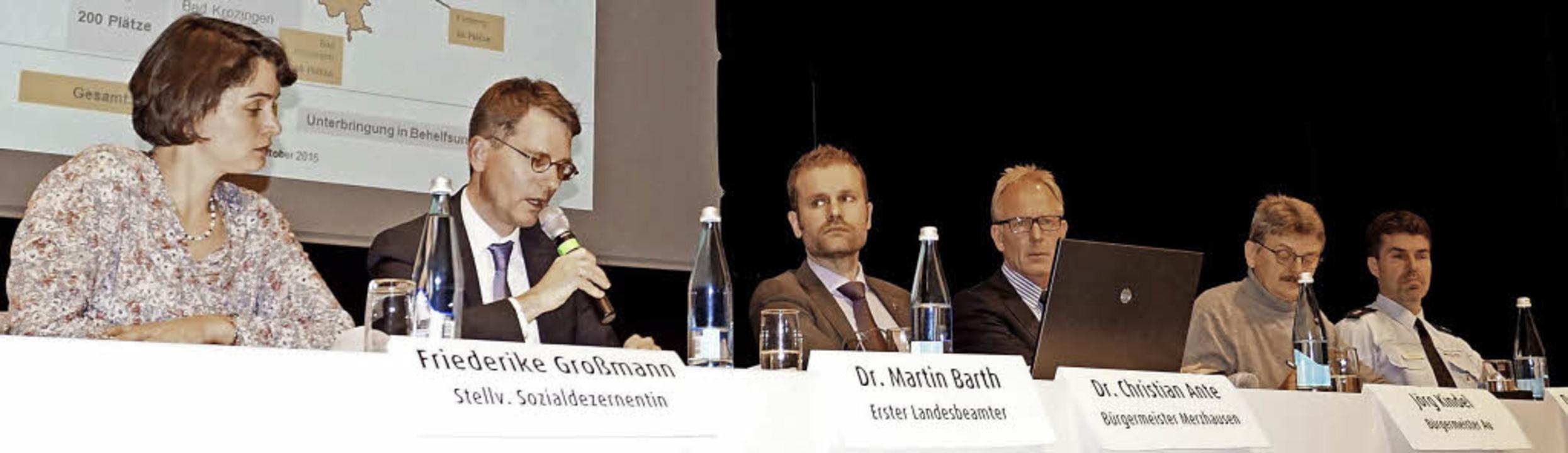 Auf dem Podium (von links): Friederike...ndel, Ralf Baumgarten und Jens Zeckel   | Foto: Julius Steckmeister