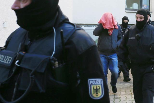 Polizei sprengt international agierenden Schleuserring