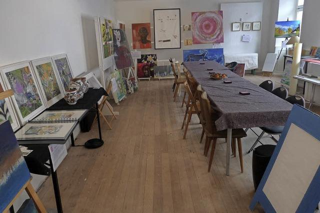 14 Emmendinger Künstler stellen in leerem Ladenlokal aus