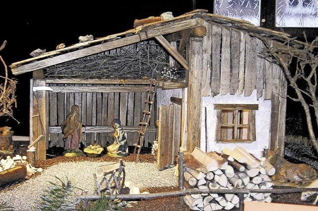 Krippen mit Kunsthandwerkern wie Glasbläser, Holzschnitzer und Drechsler in Waldshut-Tiengen