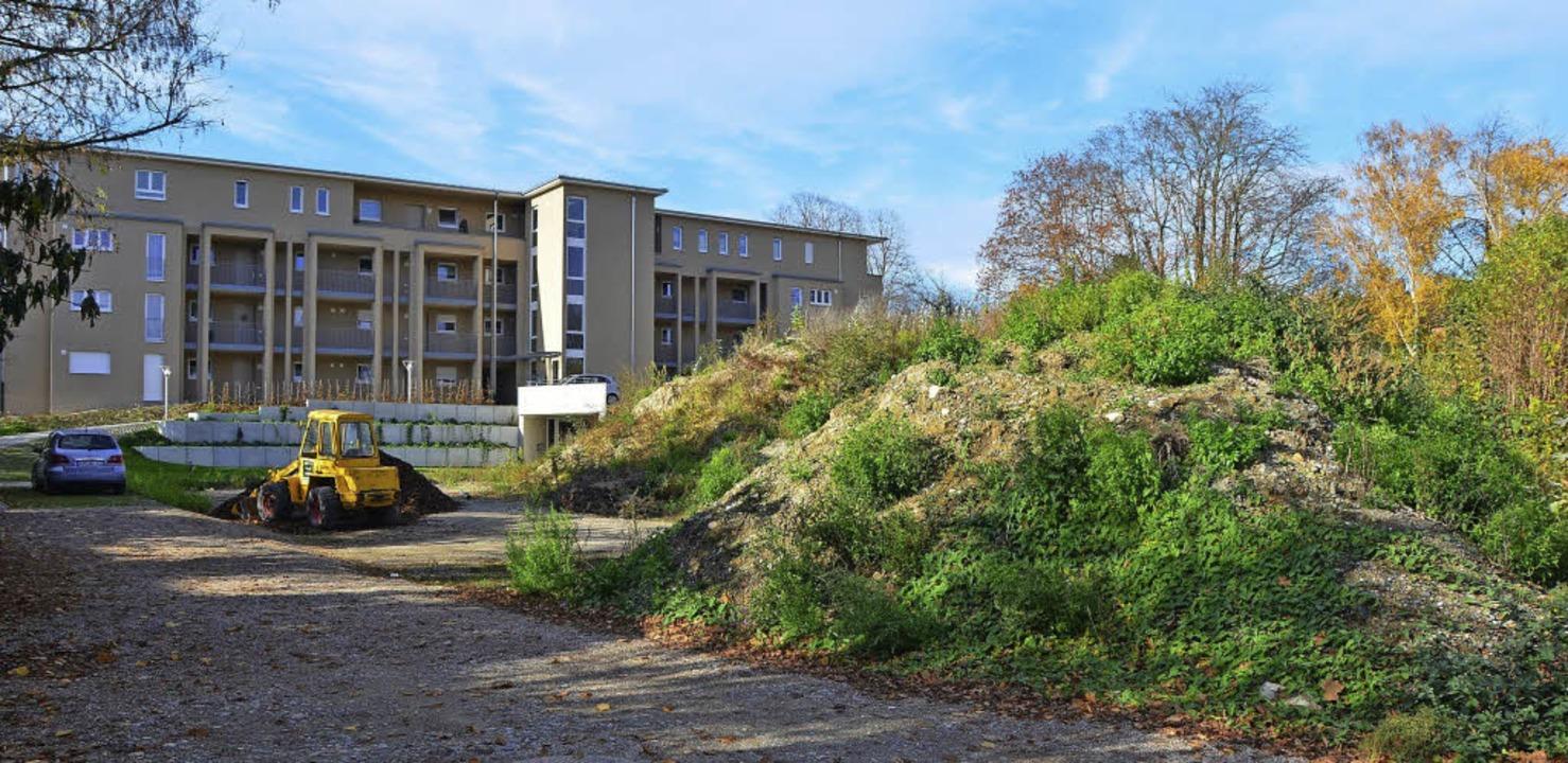 Das Gebäude für das betreute Wohnen an...ann ist das Seniorenzentrum komplett.   | Foto: Christina Hohwieler