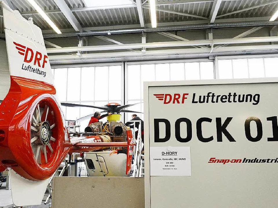 Im Hangar einer DRF Station  | Foto: bz
