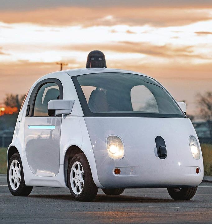 Kein Mensch am Steuer: selbstfahrendes Google-Auto    | Foto: DPA (2) Sarah Girner