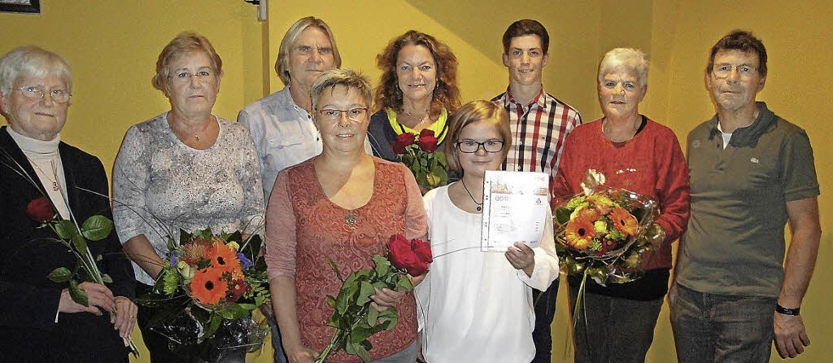 Das deutsche Sportabzeichen bekamen (v...ütte, Maria Rösch und Rudolf Messmer.   | Foto: Hansjörg Bader