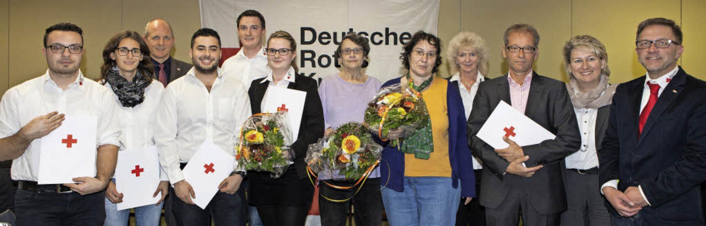 Jochen Hilpert (Dritter von links), St...tein wurde  Ehrenmitglied (v. links).   | Foto: Zahn