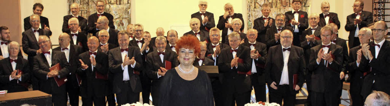 Dirigentin  Ibolya Barla nahm Abschied...urg – und vom hiesigen Publikum.    Foto: Reinhard Cremer