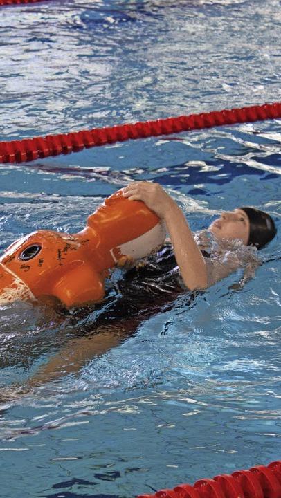 Auch Rettungsschwimmen war eine Disziplin.     Foto: Ansgar Taschinski