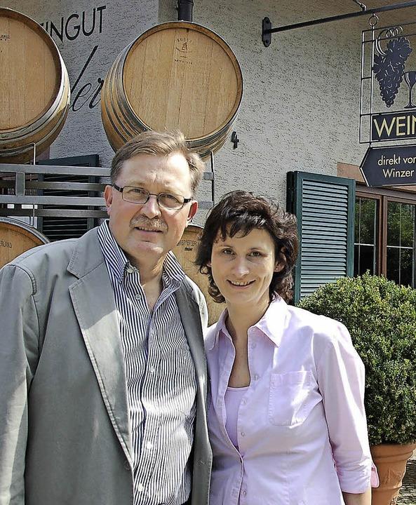 Der Lionsclub lädt ins Weingut der Familie Schneider ein.     Foto: Frey