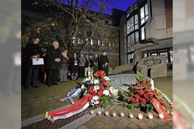 Hunderte erinnern in Freiburg an die Pogromnacht