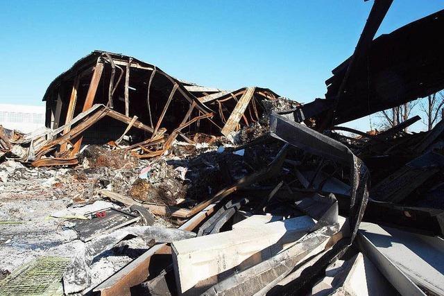 Brandursache unklar: Großbrand in Herbolzheim bleibt rätselhaft