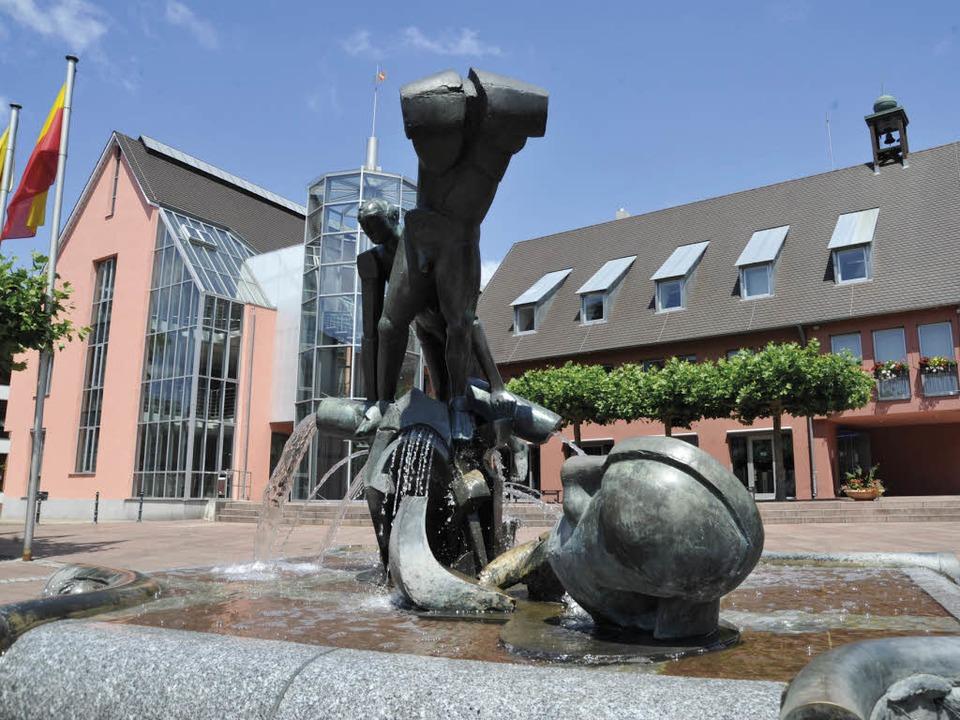 Wer wird Chef im Neuenburger Rathaus? ...te Frage wird nun wieder neu gestellt.  | Foto: Volker Münch