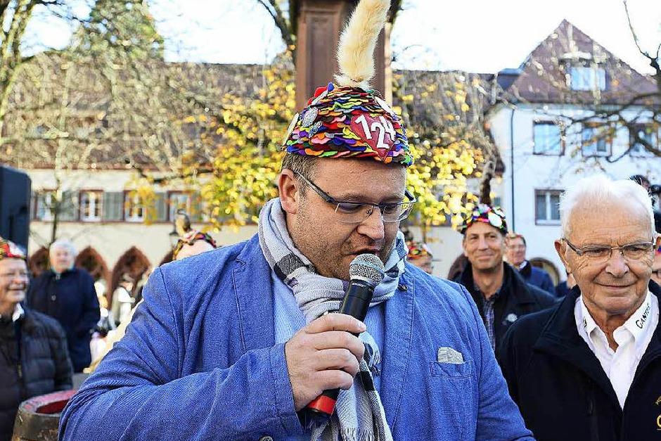 Zunftvogt Alexander Schöpe eröffnete pünktlich um 11.11 Uhr die närrische Zeit. (Foto: Ingo Schneider)