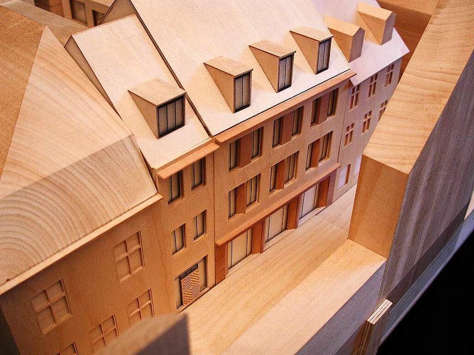 Ein Modell zeigt die beiden geplanten neuen Gebäude.  | Foto: Architekt Hubert Horbach
