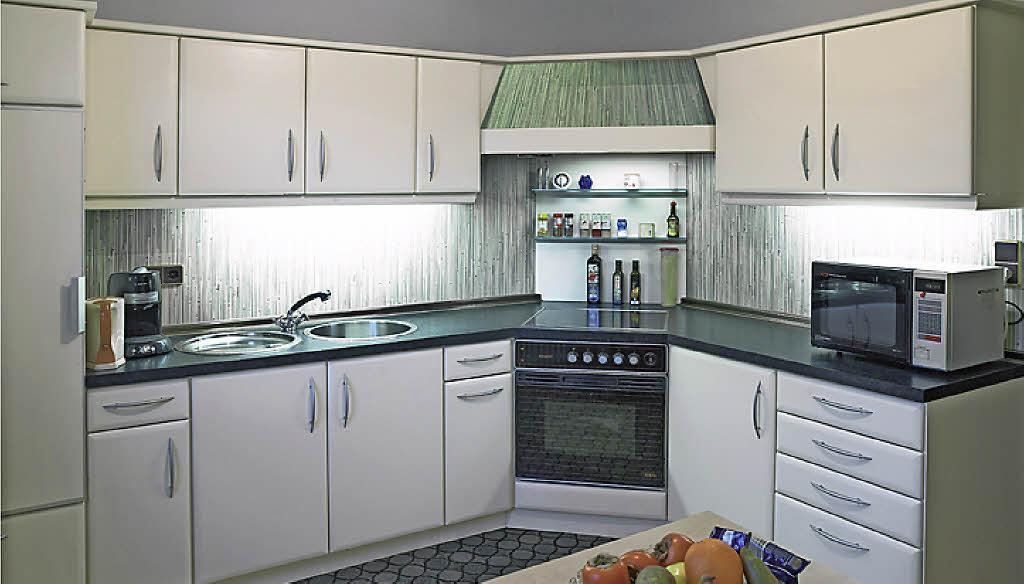 kollektive aus alt mach neu badische. Black Bedroom Furniture Sets. Home Design Ideas