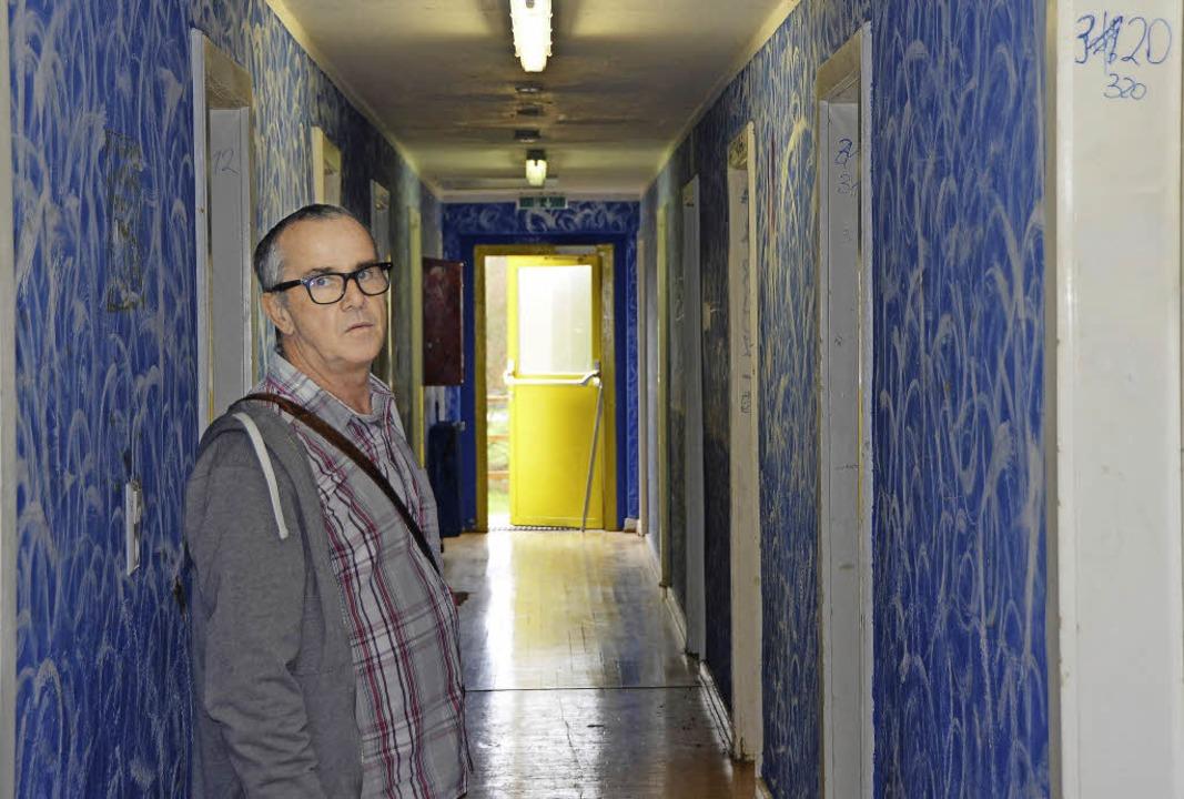 Jürgen Siefert besucht regelmäßig die verschiedenen Flüchtlingsunterkünfte.   | Foto: Felix Lieschke