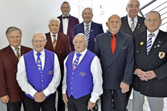 Breisgauer Sängerbund ehrt langjährige Sänger