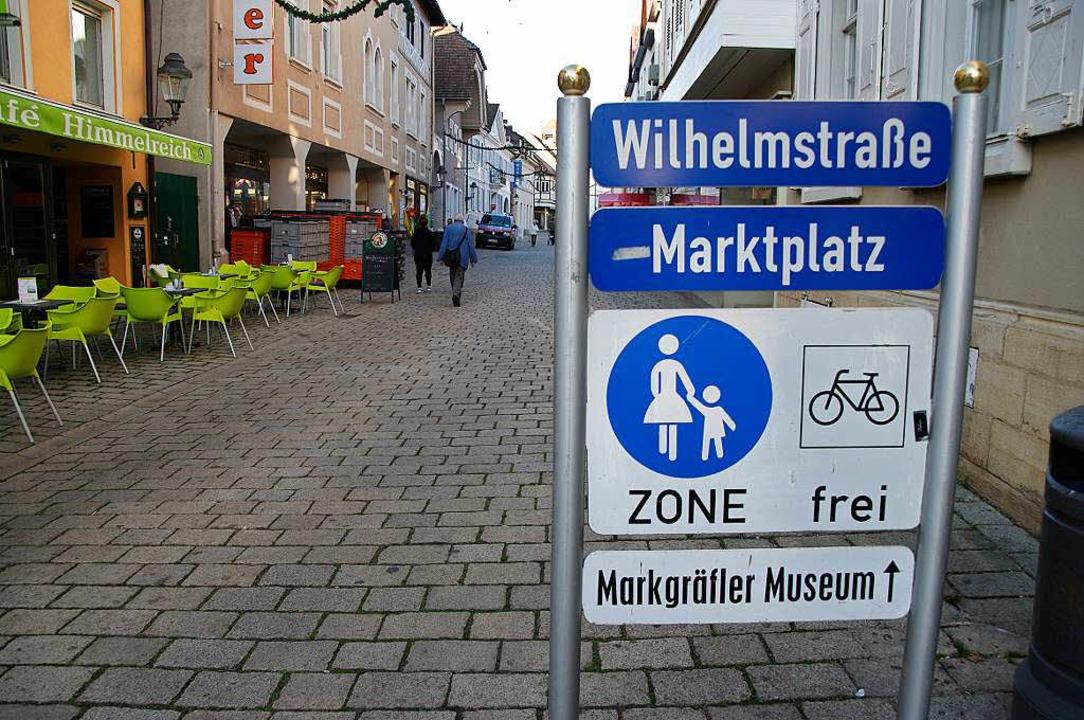 Eine Fußgängerzone ohne Fußgänger? Vor...Wilhelmstraße nicht wirklich viel los.  | Foto: Martin Pfefferle