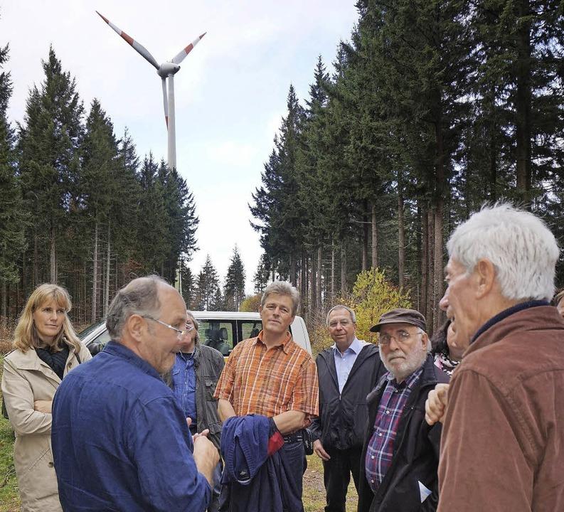 Wissenswertes über  Windkraft: Wittnauer Bürger mit Josef Pesch  | Foto: Steckmeister