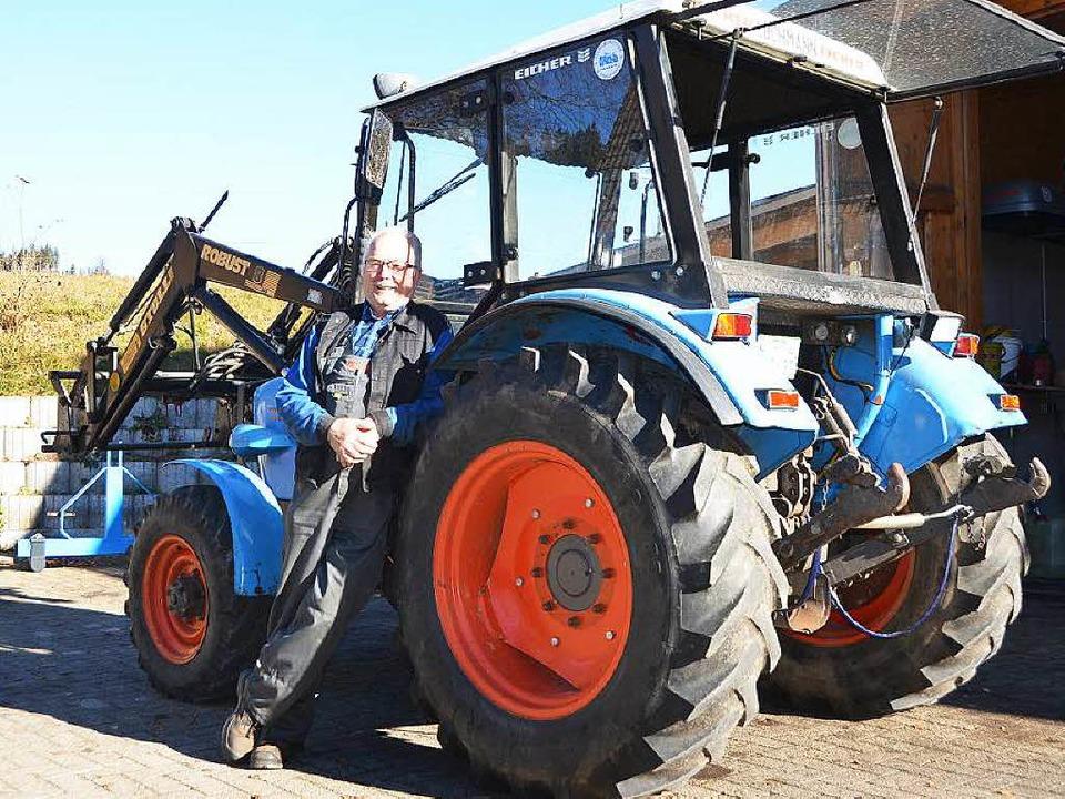 Albert Pfaff mit seinem  3010er mit Allradantrieb.  | Foto: Sebastian Wolfrum