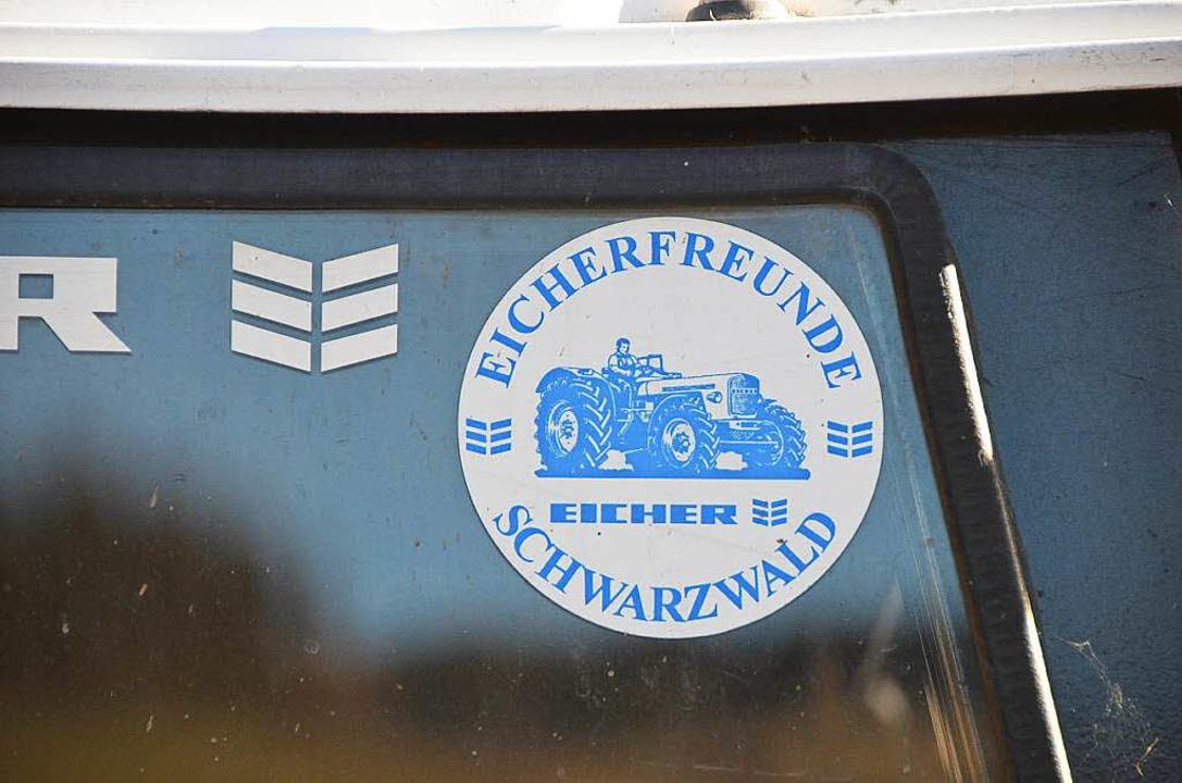 Die Eicherfreunde Schwarzwald pflegen gemeinsam die Freude am blauen Schlepper.  | Foto: Sebastian Wolfrum