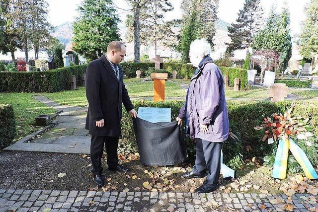 Gedenken an Kriegsopfer, Paris und Deserteure