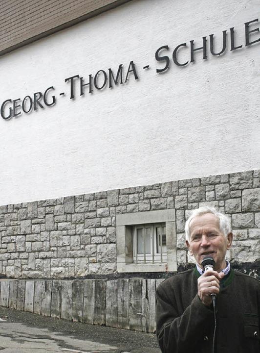 Georg Thoma erinnert sich an seine Schulzeit.      | Foto: DIETER MAURER