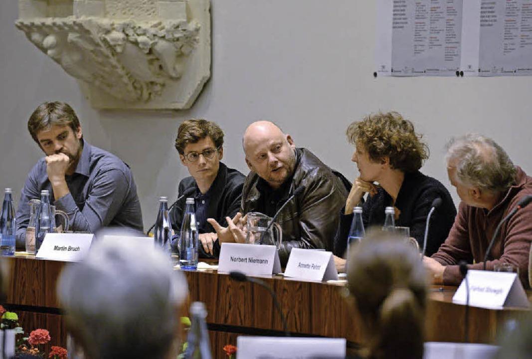 Ein Austausch unter Fachleuten: das 29...ger Literaturgespräch, hier im Rathaus  | Foto: eggstein