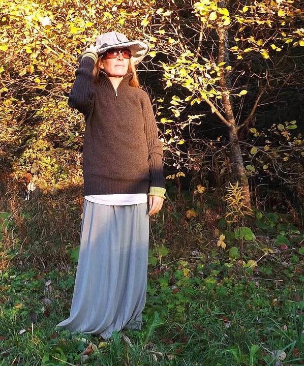Auf der Suche nach Wohnplätzen mit ger...ägt sie einen strahlenabweisenden Hut.  | Foto: Wolfgang Adam