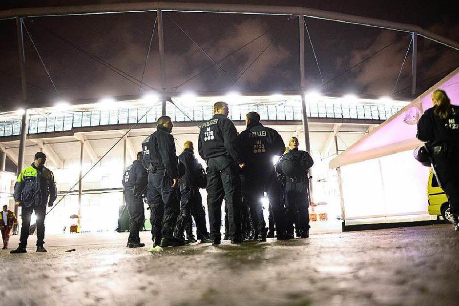 Länderspiel-Absage wegen Gefährdung (Foto: dpa)