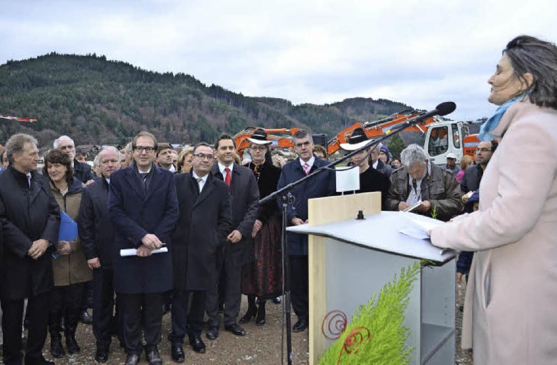 Regierungspräsidentin Bärbel Schäfer, ...germeister Klaus Hämmerle (von links).  | Foto: Nikolaus Bayer