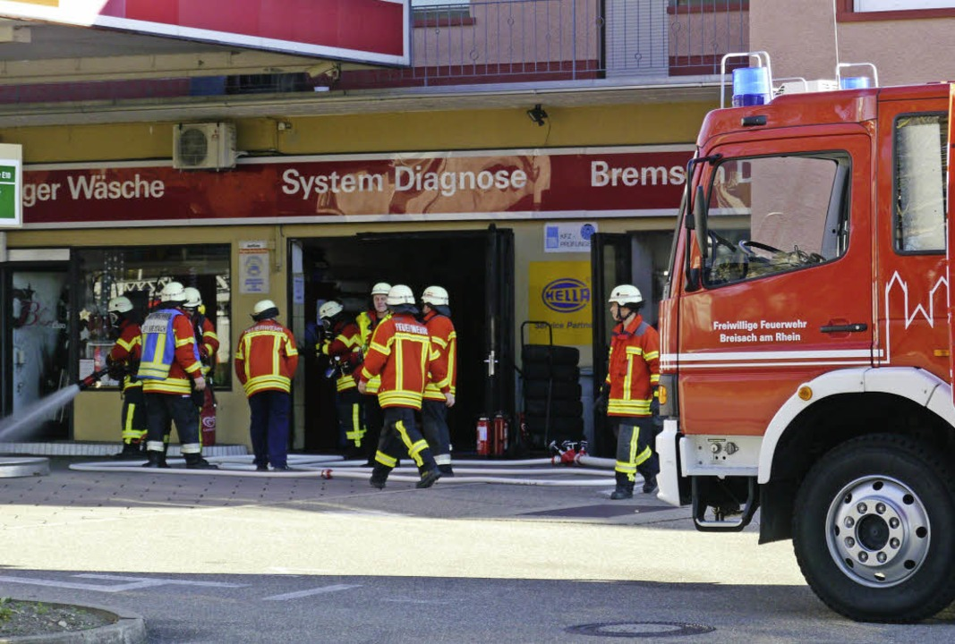 Der Brand im Keller der Esso-Tankstell...er Feuerwehr schnell gelöscht werden.   | Foto: Patrick Kerber