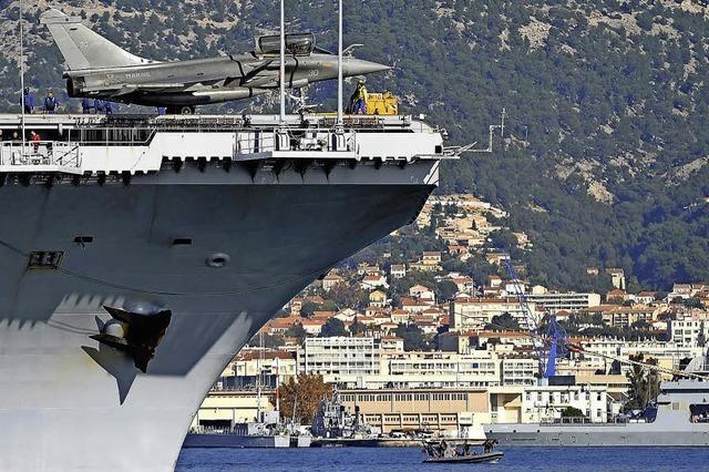 Flugzeugträger nimmt Kurs auf Syrien