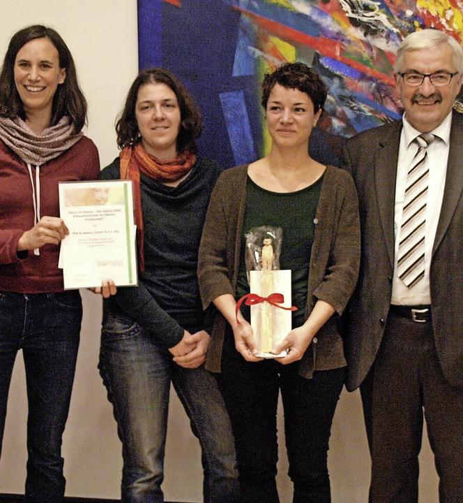 Über die Auszeichnung für das Natura 2...ürgermeister Helmut Kaiser (von links)  | Foto: Karin Stöckl-Steinebrunner