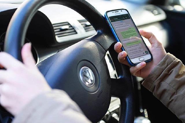 Gericht wertet tödlichen Unfall mit Handy am Steuer als versuchten Mord