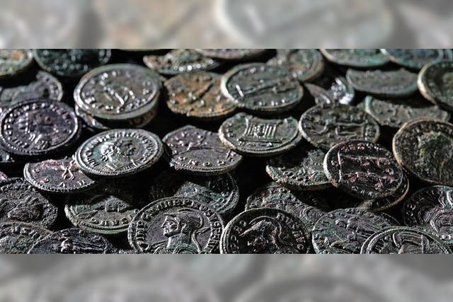 Prägefrische Münzen aus dem Acker