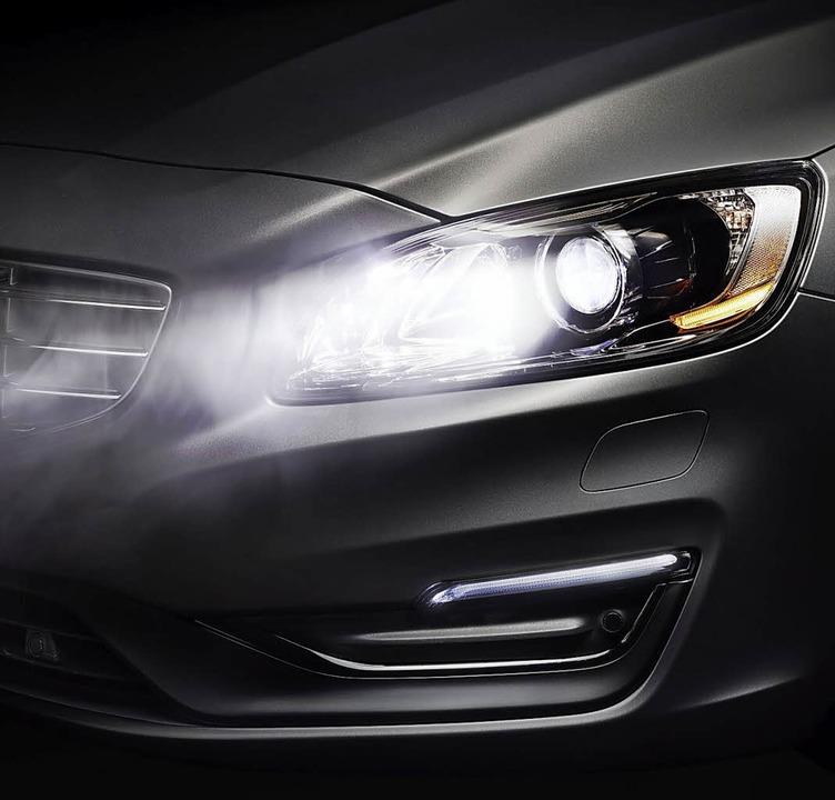 Zunehmend finden die leistungsfähigen...lendfreiem Fernlicht (hier: Volvo S60)    Foto: Volvo/SP-X
