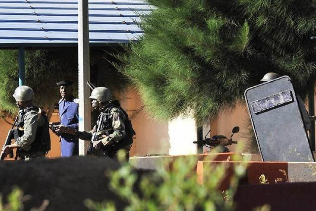 Mutmaßliche Islamisten nehmen Geiseln in Mali – Tote